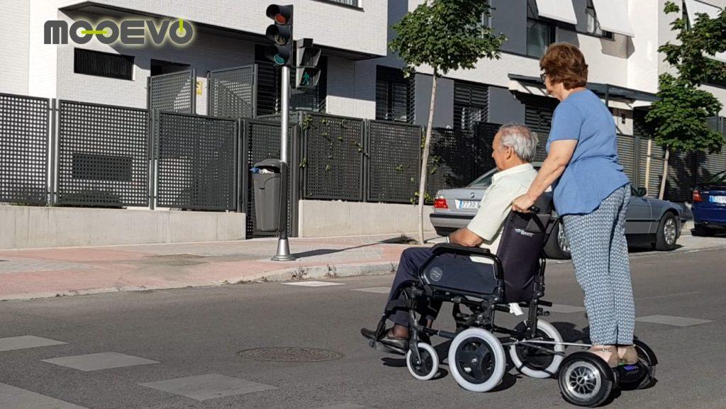 motor ayuda paseo acompañante asistente sillas manuales